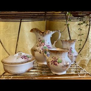 Vintage Anchor Pottery Vanity set